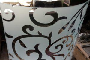 Стекло радиусное с пескоструйным рисунком для радиусных дверей Абакан