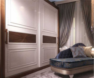 Шкаф купе с декоративным молдингом по периметру Абакан